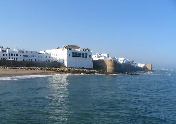 Guida ad Asilah: Dove Alloggiare, Cosa Visitare e le Spiagge Più Belle