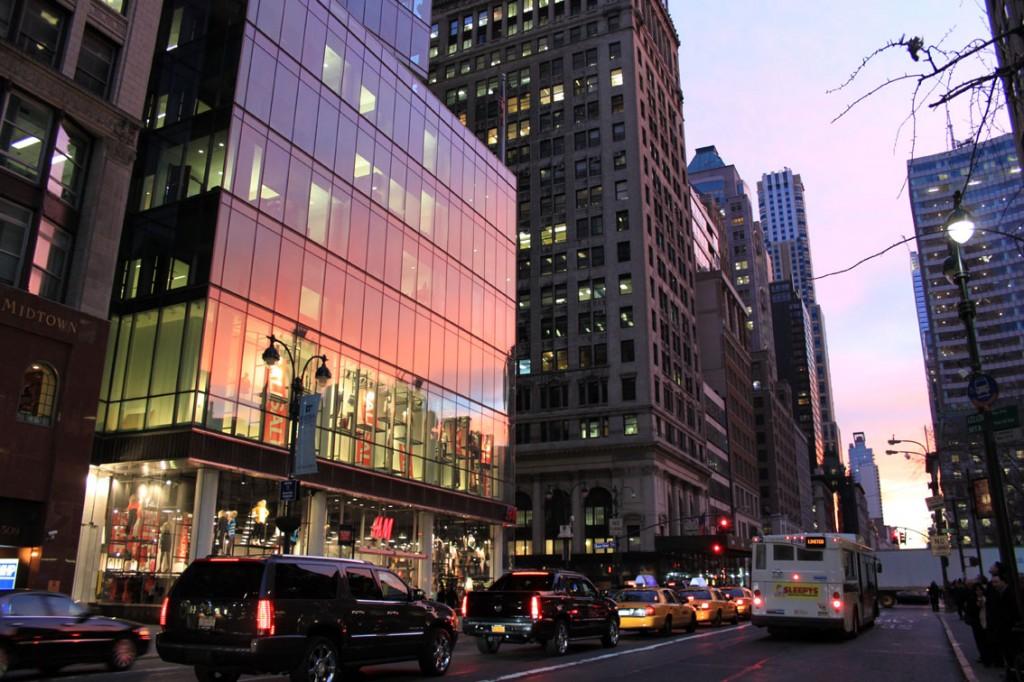 Passeggiando lungo la Fifth Avenue, New York