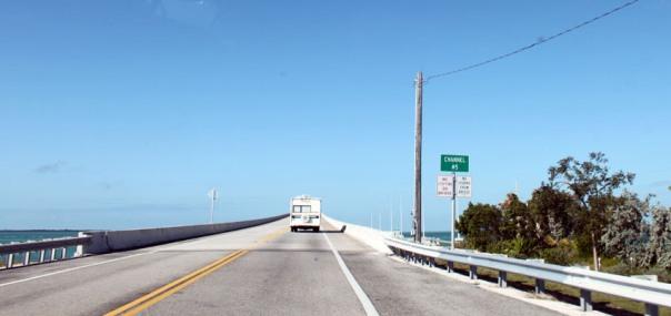 Percorrendo la Strada da Miami a Key West, Florida