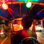 <b>Bangkok: Guida ai Trasporti. L'Airport Rail Link ed i Battelli sul Chao Phraya. Come Utilizzare Skytrain, Taxi e Tuk Tuk...</b>