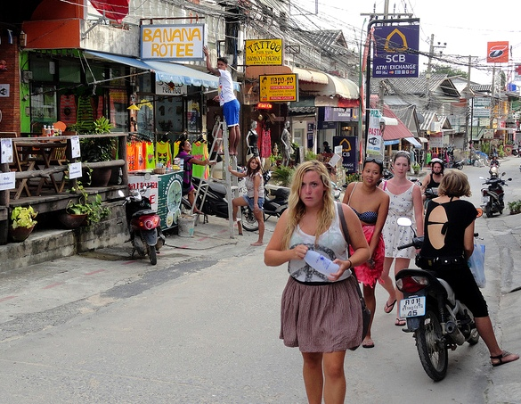 Afternoon Shopping in Haad Rin, Koh Phangan