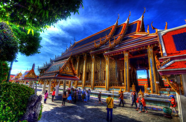 Visiting Wat Phra Kaeo and the Grand Palace, Bangkok, Thailand