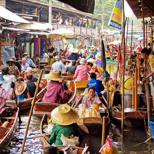 Bang Nok Kwaek Floating Market, Samut Songkhran, Thailand
