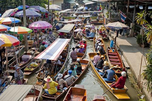Bangkok: le Escursioni Più Belle. I Mercati Galleggianti ed il Railway Market. La Gita ad Ayutthaya