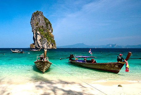 Beach at Poda Island, near Railay, Krabi, Thailand