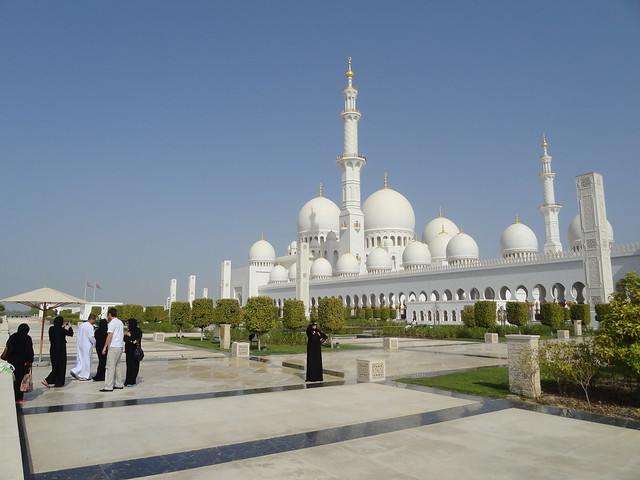 A Photo of Sheikh Zayed Grand Mosque, Abu Dhabi, UAE