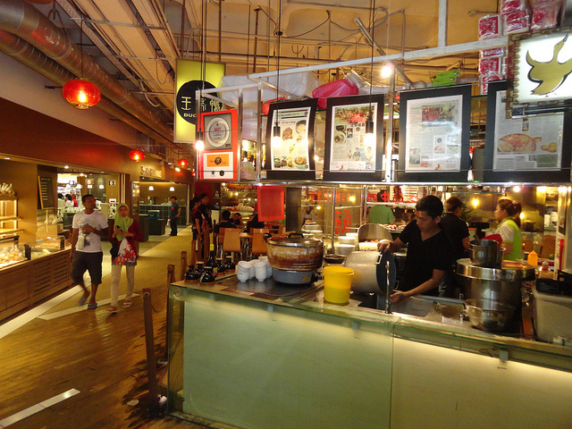 Guida a Cosa Fare a Kuala Lumpur la Sera ed i Quartieri Dove Mangiare