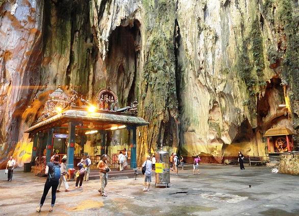 Guida alle Batu Caves e le Più Belle Escursioni a Kuala Lumpur