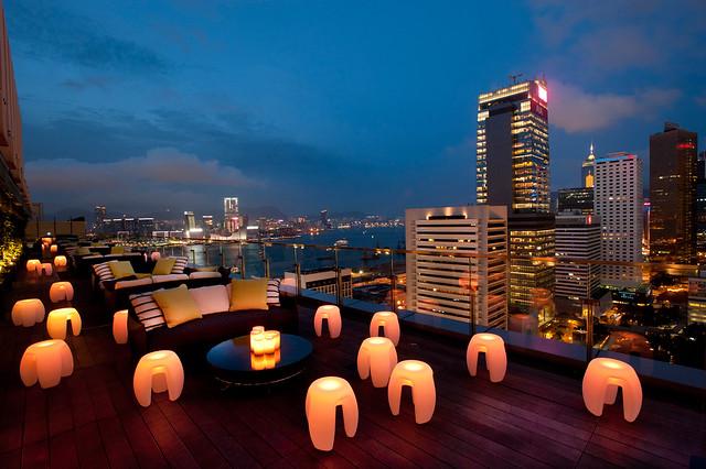 I Migliori Rooftop Bars e Ristoranti Panoramici di Hong Kong Island