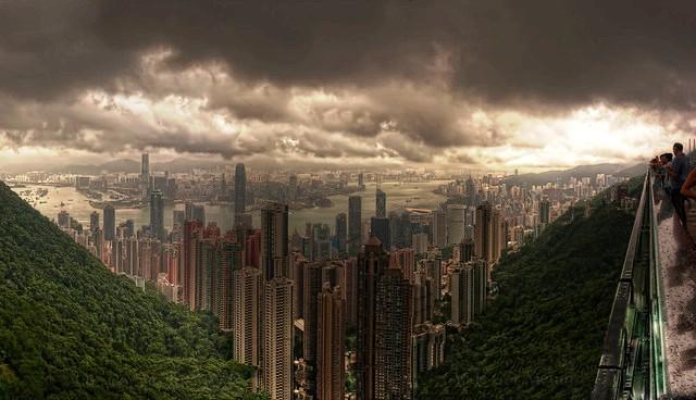 L'Escursione al Victoria Peak ad Hong Kong: Come Arrivare e Cosa Vedere