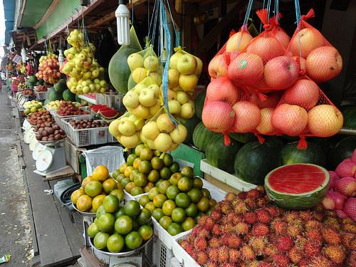 Market at Bastiong Port, Kota Ternate, Pulau Ternate, The Moluccas (Maluku)