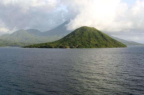 Guida alle Isole Molucche: Ternate e Tidore. Come Arrivare, Dove Alloggiare e Cosa Vedere.