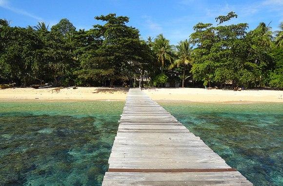 Le Spiagge di Bangka ed il Coral Eye nel Nord di Sulawesi in Indonesia