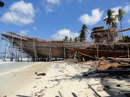 Le Phinisi Bugis Boats di Pantai Bira a Sud Sulawesi
