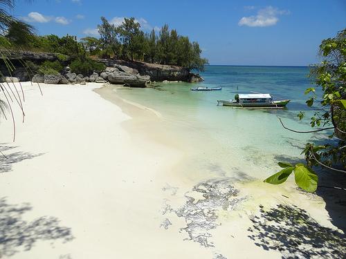 Pantai Liang Kareta, Pulau Pasi, West Coast of Pulau Selayar, South Sulawesi, Indonesia