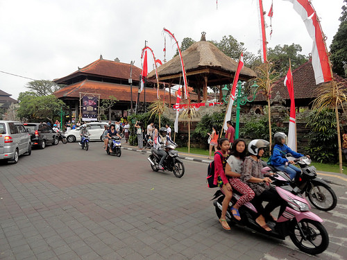 Corner of Monkey Forest Road with Jalan Raya Ubud, infront of Ubud Palace, Ubud, Bali, Indonesia