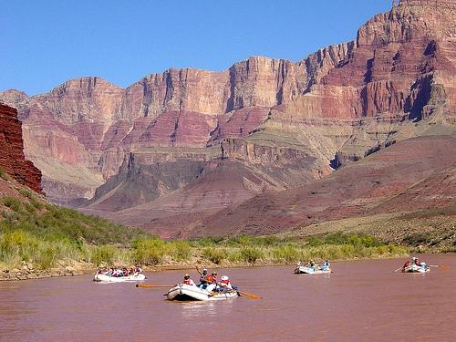 Guida alle Escursioni in Gommone sul Fiume Colorado