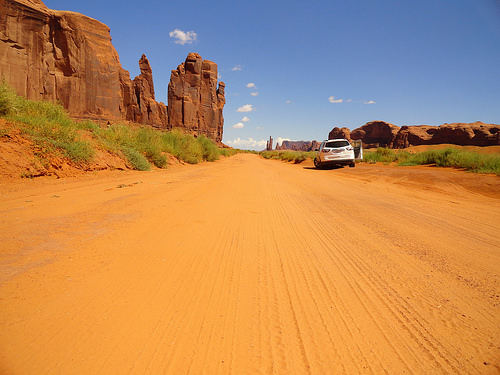Driving the Scenic Drive in the Monument Valley