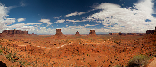 Monument Valley Scenic Drive from the Visitor Center Parking Area