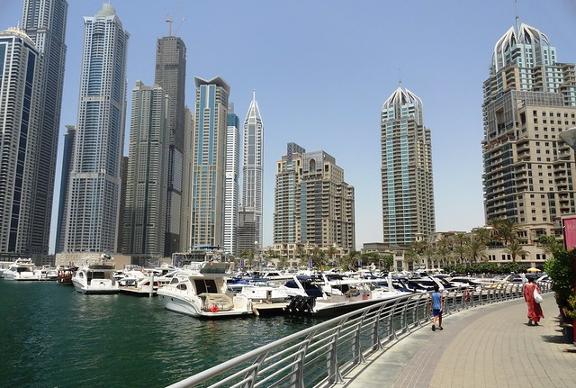 Walking in Dubai Marina, Dubai, United Arab Emirates