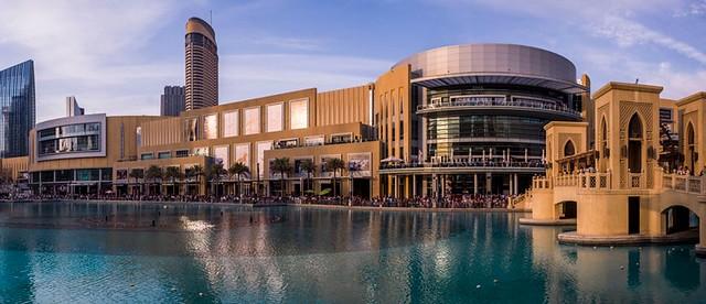 Dubai Mall and Khalifa Lake, Downtown Dubai, Dubai, United Arab Emirates