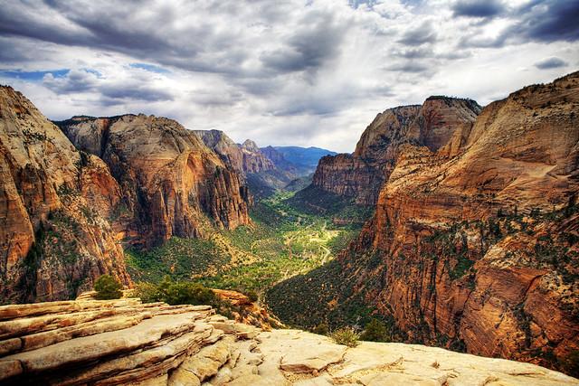 Zion National Park: Come Arrivare, Dove Alloggiare e Come Spostarsi. Il Clima ed i Pericoli