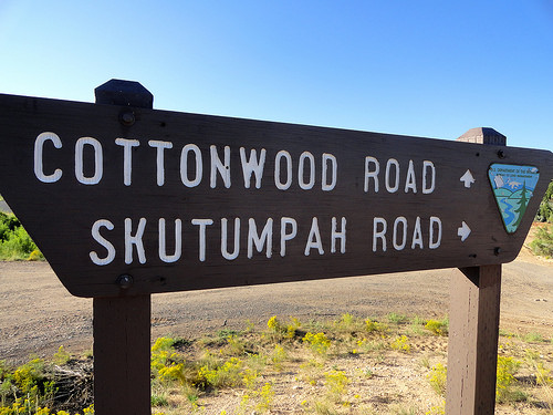 Cottonwood Road and start of Skutumpah Road South of Cannonville in Utah
