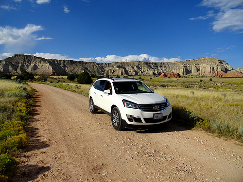 Driving to Shakespeare Arch and Sentinel Trail in Kodachrome Basin State Park in Utah