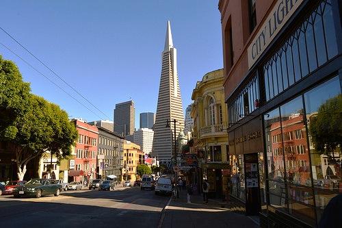 Columbus Avenue e Transamerica Building, San Francisco, California