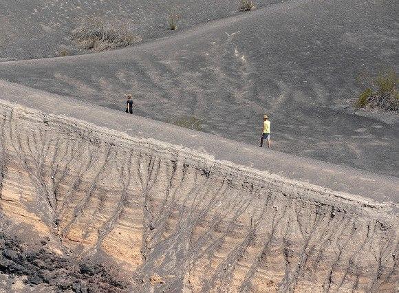Escursione a Ubehebe Crater nella Valle della Morte