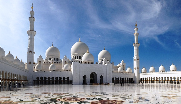 Sheikh Zayed Grand Mosque Guided Tour, Abu Dhabi, United Arab Emirates