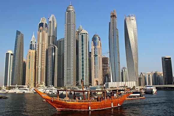 I Migliori Tours Organizzati a Dubai, i Ristoranti del Burj Al Arab ed i Voli Panoramici su Dubai in Elicottero
