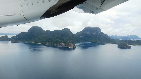 ATR 42 Air Swift Landing El Nido, Palawan, Philippines