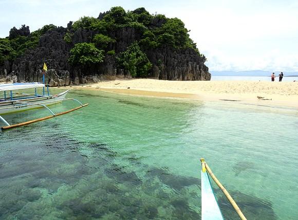 Beach of Lahos Island, Caramoan Peninsula, Camarines Sur, Philippines