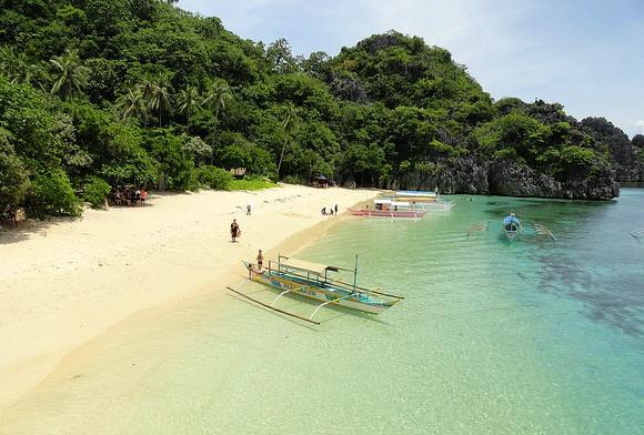Guida di Viaggio alle Isole e Belle Spiagge della Sconosciuta Caramoan Peninsula nelle Filippine