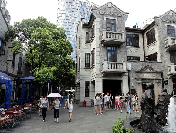 Tourists in Xintiandi, French Concession, Shanghai