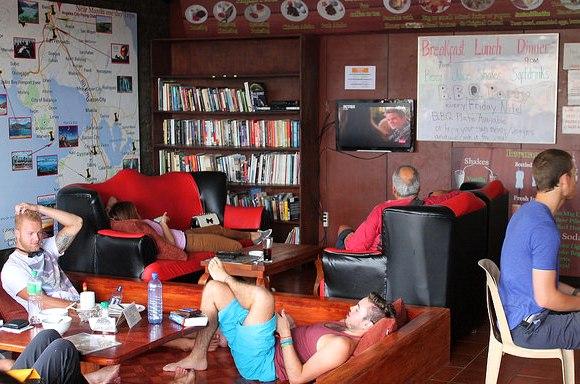 Rooftop Terrace Lounge, Stay Malate   Wanderers Guest House, Manila