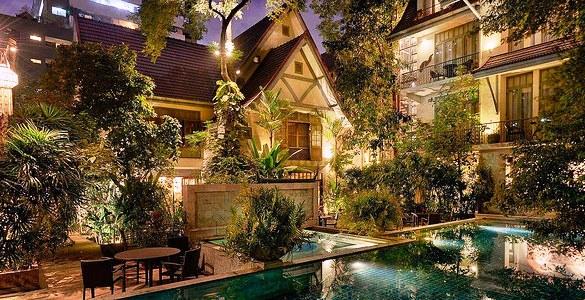 Ariyasom Villa, Sukhumvit, Bangkok
