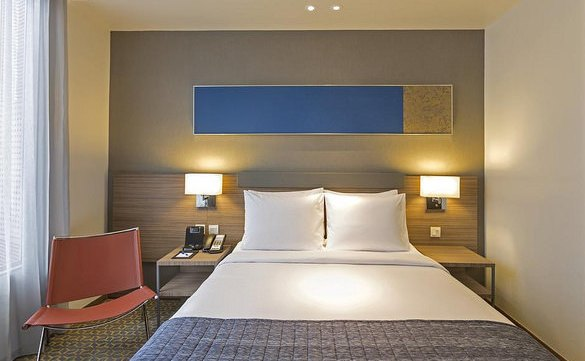 Standard Room, Holiday Inn Express Bangkok Sathorn, Silom, Bangkok, Thailand