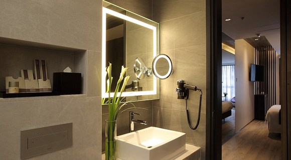 Superior Room Bathroom, The Perkin Hotel, Tsim Sha Tsui, Kowloon, Hong Kong