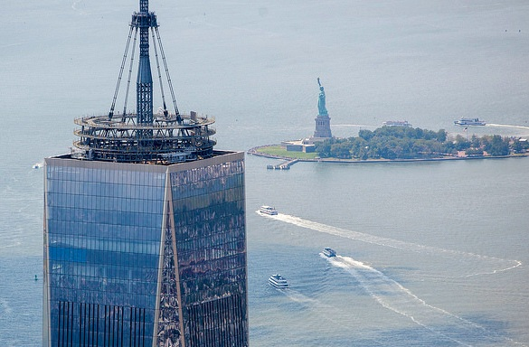Heli View of One World Trade (Freedom Tower) and the Statue of Liberty, New York City, New York, USA