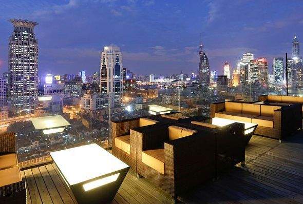 Yu Bar and Rooftop Terrace at Renaissance Shanghai Yu Garden Hotel