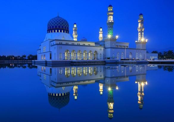 Kota Kinabalu City Mosque, Sabah, Malaysian Borneo