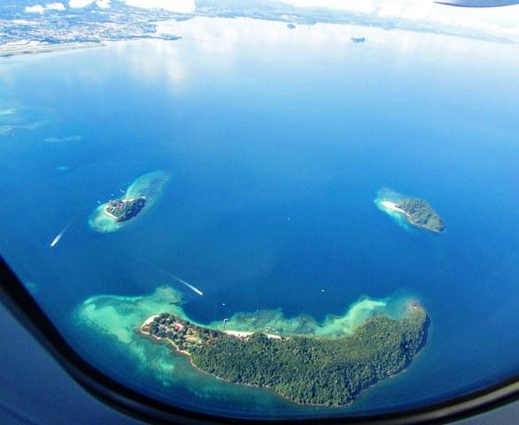 Pulau Manukan, Pulau Mamutik and Pulau Sulug from the Air, Tunku Abdul Rahman Marine Park, Kota Kinabalu, Sabah, Malaysian Borneo
