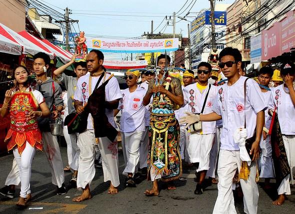 Phuket Festival Vegetariano: i Posseduti