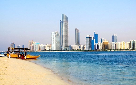 A Guide to the Best City Tours, Desert Safaris and Day-Trips in Abu Dhabi, United Arab Emirates