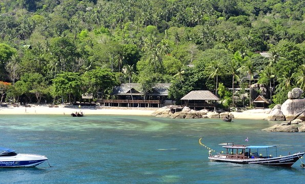 Southern End of Mae Haad Bay and Sensi Paradise Beach Resort, Koh Tao, Thailand