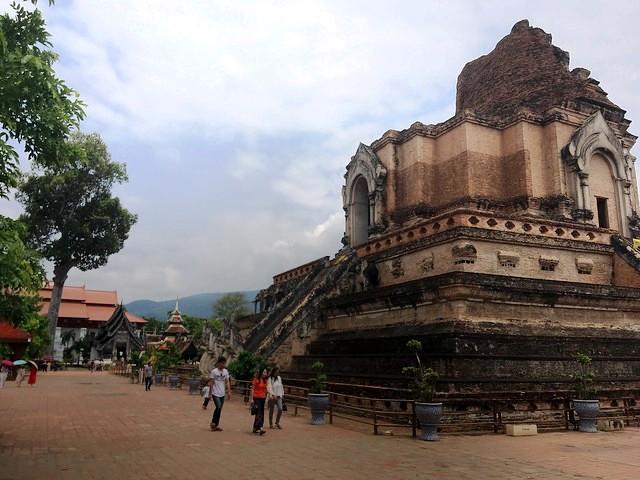 Visiting Wat Chedi Luang, Chiang Mai, Thailand