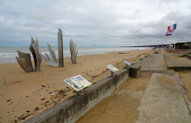 The Braves (Omaha Beach D-Day Monument), Omaha Beach, Colleville-sur-Mer, Calvados, Basse-Normandie, France