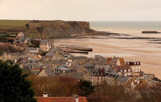 Visiting Arromanches, Calvados, Basse-Normandie, France